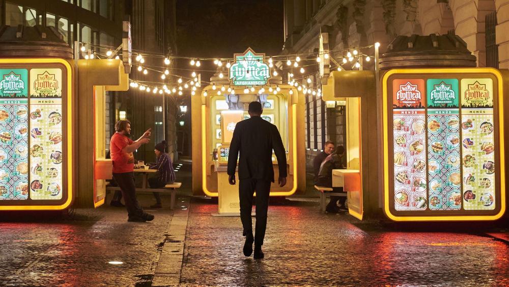 (c) Netflix; Alexander Skarsgard in Mute